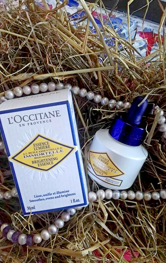 loccitane_brightening_essence3.jpg